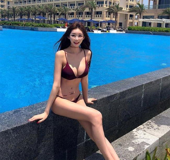 Mùa Hè Hàn Quốc, Cứ Vài Mét Là Gặp 1 Cô Gái Mặc Bikini