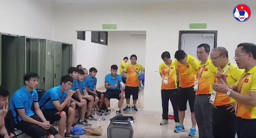 HLV Park Hang Seo và những khoảnh khắc xúc động với bóng đá Việt Nam-6