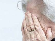 Bà cụ 72 tuổi quyết ly hôn vì chồng bước ra từ quán massage