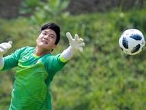 Hàng trăm học sinh Indonesia dõi theo buổi tập của Olympic Việt Nam