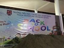 """Trường bị đổ cát, gạch trước khai giảng: """"Mâu thuẫn phải giải quyết theo pháp luật"""""""