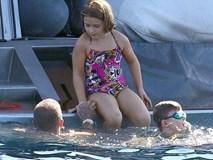 Con gái David Beckham gây ngỡ ngàng khi lớn phổng phao trong bộ đồ áo tắm