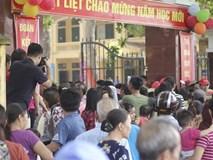 """Trường Tiểu học Sơn Đồng bị tố """"lạm thu"""": Vì sao phụ huynh nói đã đóng, nhà trường khẳng định chưa thu?"""