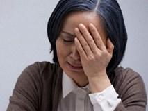 Con dâu hay về muộn khi con trai đi công tác, mẹ chồng trào nước mắt phát hiện sự thật