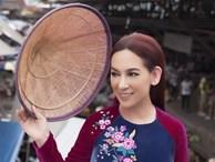 Phi Nhung duyên dáng áo bà ba trên chợ nổi Thái Lan