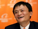 Không chỉ nhà buôn, người trẻ đi làm ở Trung Quốc giờ còn lập bàn thờ Jack Ma trong nhà như thờ Thần tài-4