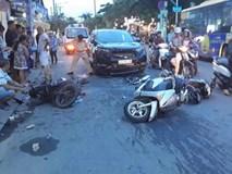 TP.HCM: Ô tô tông liên hoàn 3 xe máy rồi bỏ chạy khiến 3 người nhập viện cấp cứu, trong đó có trẻ em