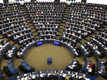 EU ép Google, Facebook trả tiền bản quyền: Internet sắp thay đổi?