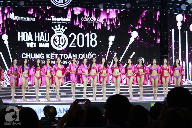Chung kết HHVN 2018: Top 5 lộ diện trả lời ứng xử xuất sắc-16