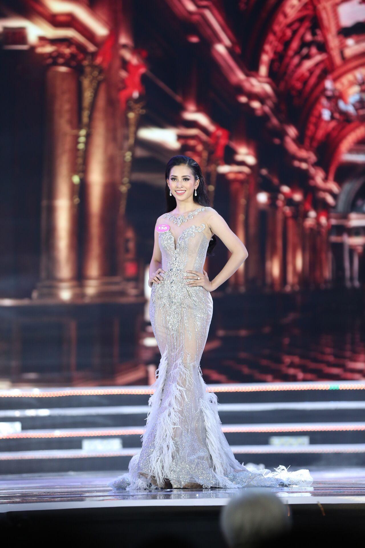 Trần Tiểu Vy và hành trình âm thầm toả sáng suốt chặng đường Hoa hậu Việt Nam 2018-9