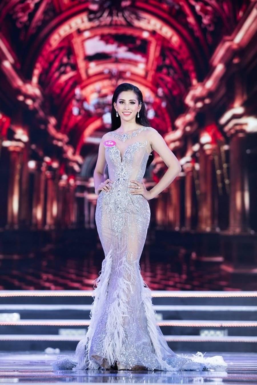 Vẻ đẹp nóng bỏng của Top 5 Hoa hậu Việt Nam 2018-2