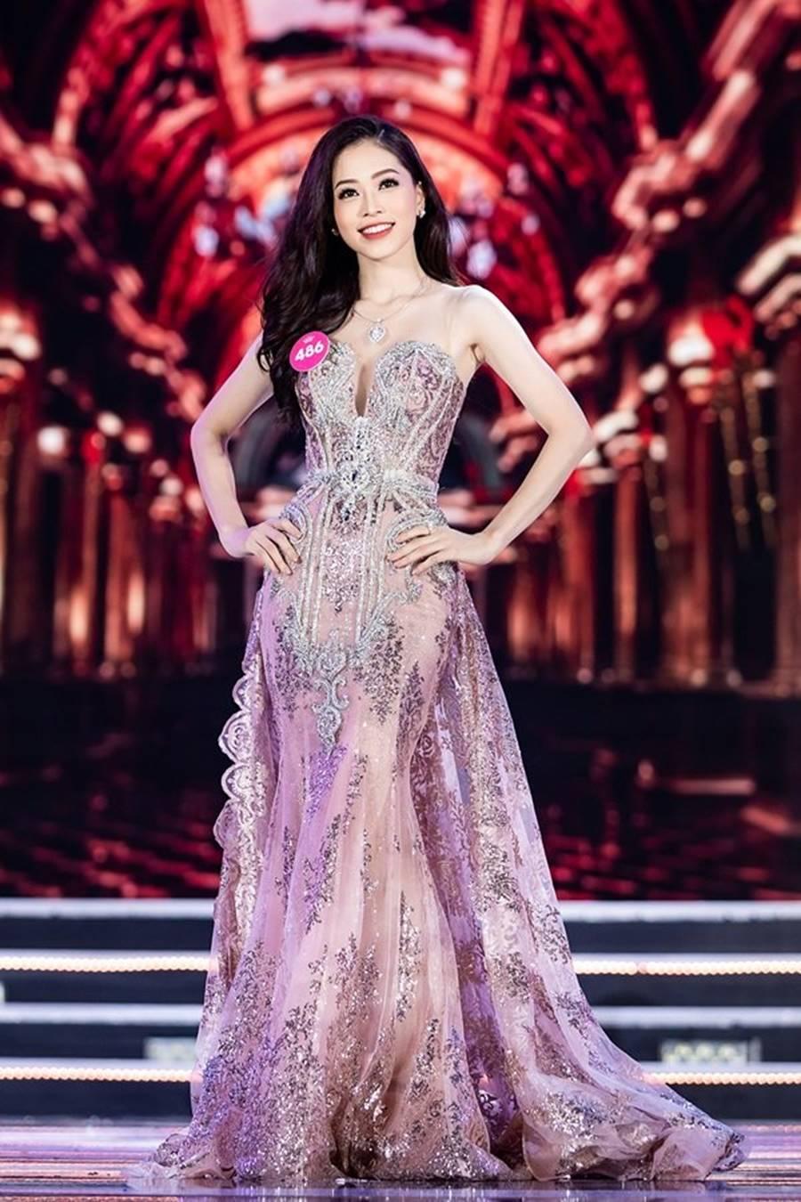 Vẻ đẹp nóng bỏng của Top 5 Hoa hậu Việt Nam 2018-6