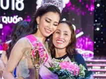 Mẹ của Trần Tiểu Vy nghẹn ngào không nói nên lời khi con gái đăng quang hoa hậu