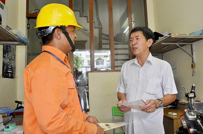 EVN HANOI khuyến cáo sử dụng điện an toàn trong những ngày mưa bão-2