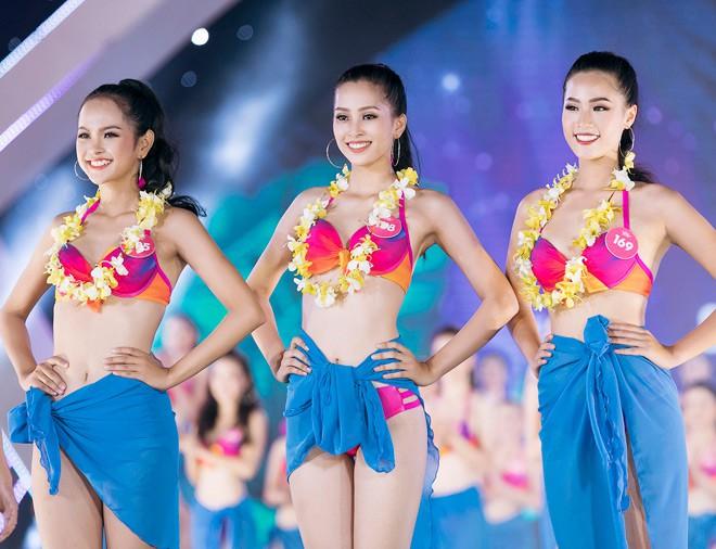 Dù mới 18 tuổi, Hoa Hậu Trần Tiểu Vy vẫn diện bikini vô cùng nóng bỏng-3