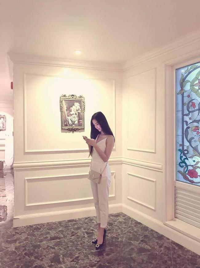 Bất ngờ trước những tấm ảnh đời thường nóng bỏng của Á hậu 2 Hoa hậu Việt Nam 2018 - Nguyễn Thị Thúy An-11