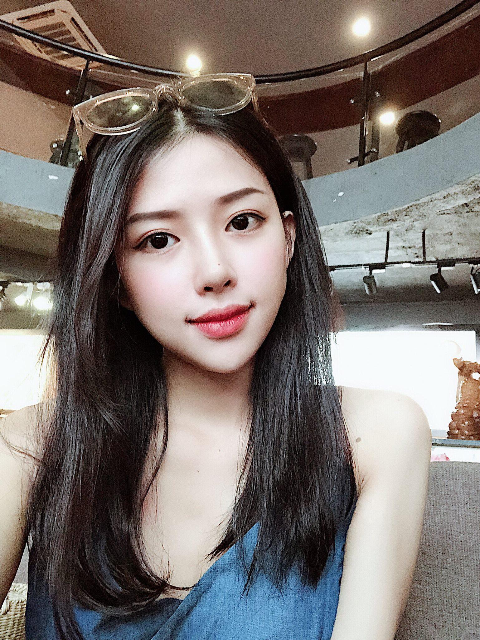 Chân dung cô gái Khánh Hoà vừa được Phan Mạnh Quỳnh cầu hôn trên biển-6