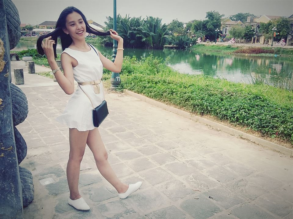 Loạt ảnh ngố tàu, đáng yêu ngày bé của Hoa hậu Việt Nam 2018-4