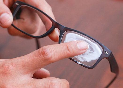 5 cách xóa sạch vết xước trên mắt kính, team cận thị nhất định phải biết-2