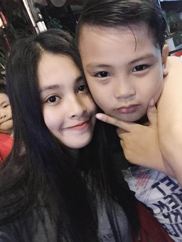 Bố mẹ tân Hoa hậu Tiểu Vy gây sốt bởi trẻ trung, chất chơi gấp mấy lần con gái-10