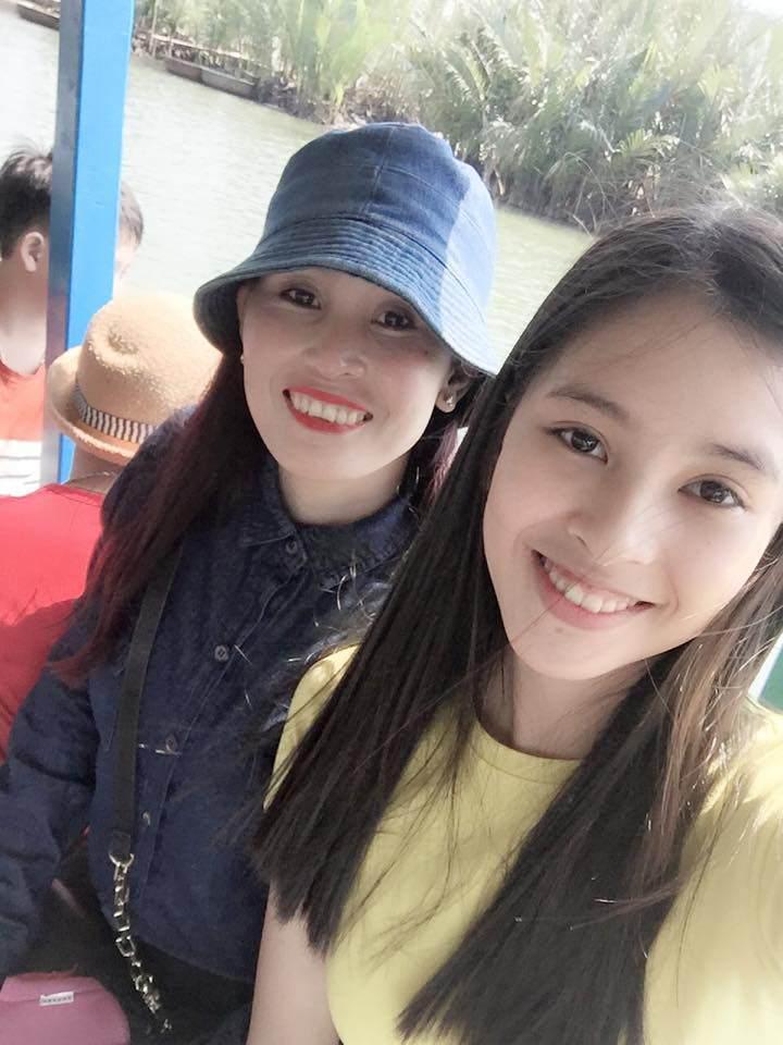 Bố mẹ tân Hoa hậu Tiểu Vy gây sốt bởi trẻ trung, chất chơi gấp mấy lần con gái-5