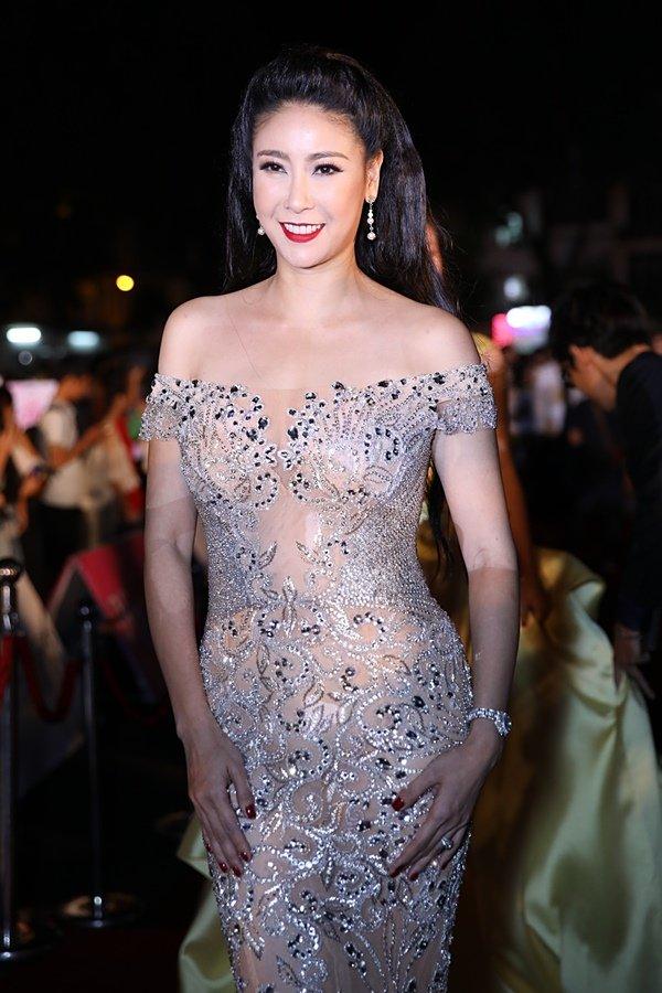 Mỹ nhân Việt đọ sắc trên thảm đỏ chung kết Hoa hậu Việt Nam 2018-7