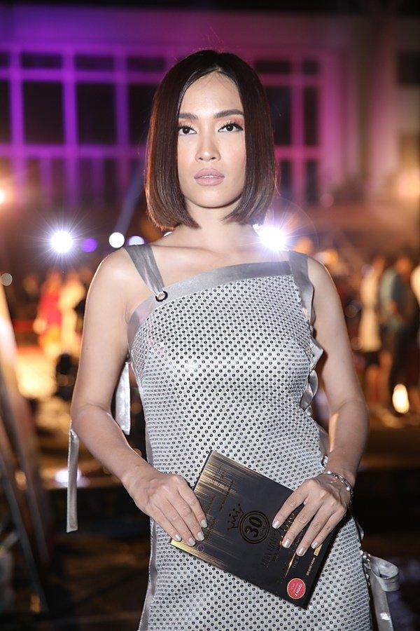 Mỹ nhân Việt đọ sắc trên thảm đỏ chung kết Hoa hậu Việt Nam 2018-10