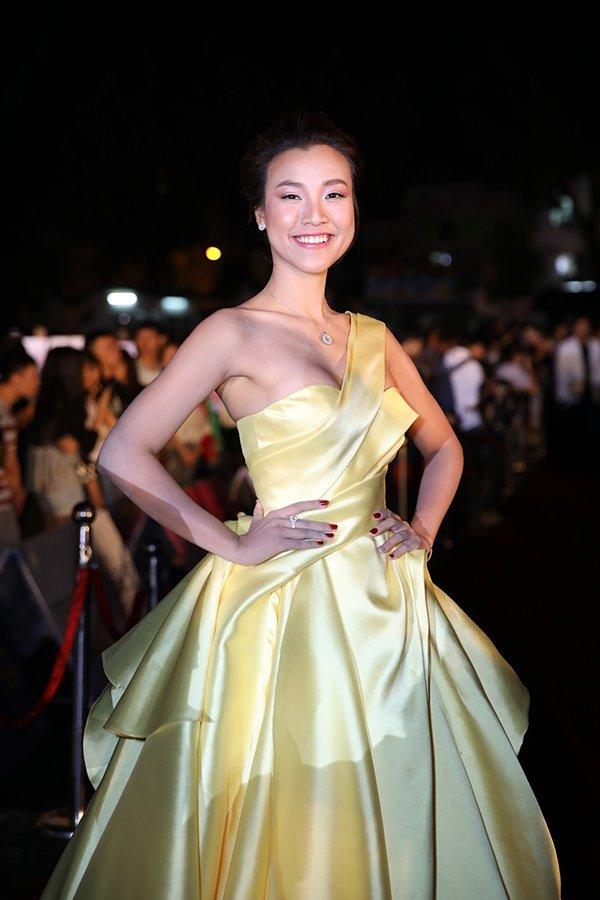Mỹ nhân Việt đọ sắc trên thảm đỏ chung kết Hoa hậu Việt Nam 2018-11