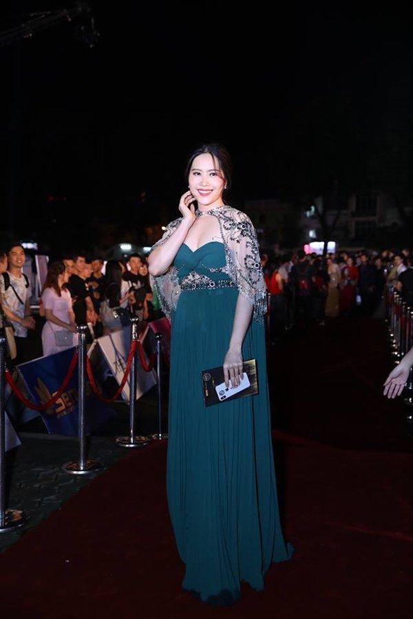Mỹ nhân Việt đọ sắc trên thảm đỏ chung kết Hoa hậu Việt Nam 2018-8