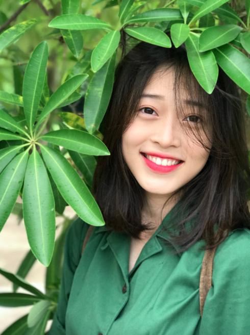Top 3 Hoa hậu Việt Nam 2018: Mặt mộc đều xinh và có điểm chung này trên khuôn mặt không phải ai cũng nhận ra-5