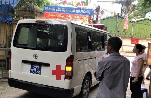 Xe cứu thương liên tục đưa thi thể nạn nhân ở đêm nhạc hội về quê-1