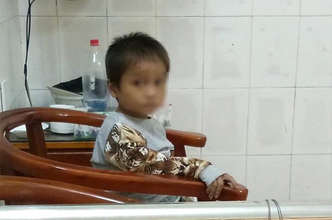 Không còn ngủ ngoài đường, cậu bé Hà Giang khóc nhớ mẹ-1