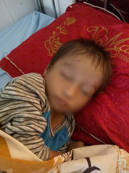 Không còn ngủ ngoài đường, cậu bé Hà Giang khóc nhớ mẹ-2