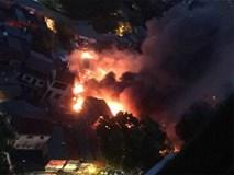 Cháy cực lớn khu trọ tại dốc BV Nhi Trung ương, hàng trăm người hoảng loạn