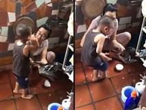 Cậu bé gào khóc thảm thiết, nhất quyết không cho mẹ giết vịt khiến cộng đồng mạng nhận ra bài học cực lớn