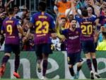 Siêu mẫu ngực 'khủng' công khai tỏ tình với Messi-6