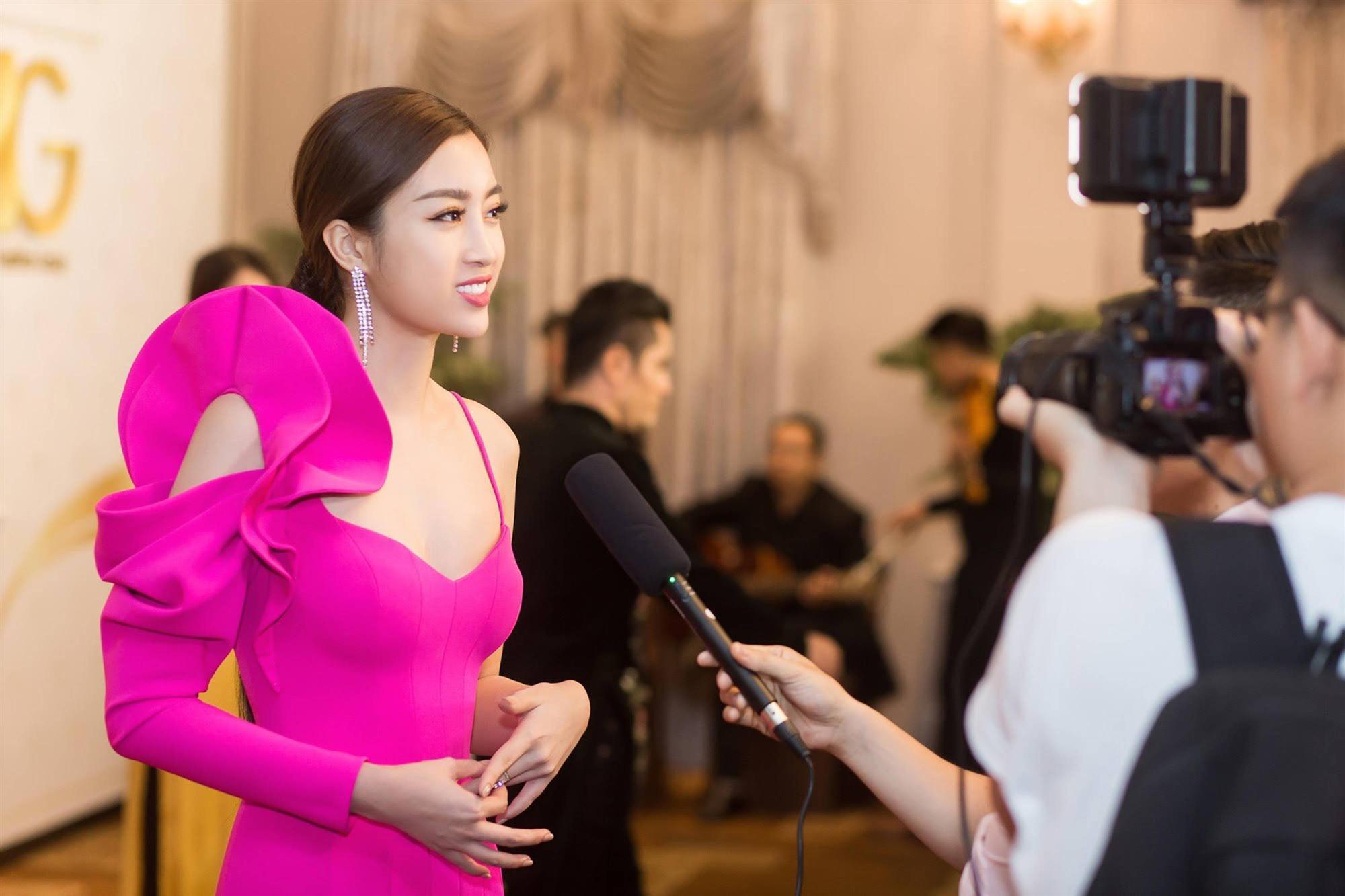 Hoa hậu Đỗ Mỹ Linh tái xuất gợi cảm sau khi trao lại vương miện-5