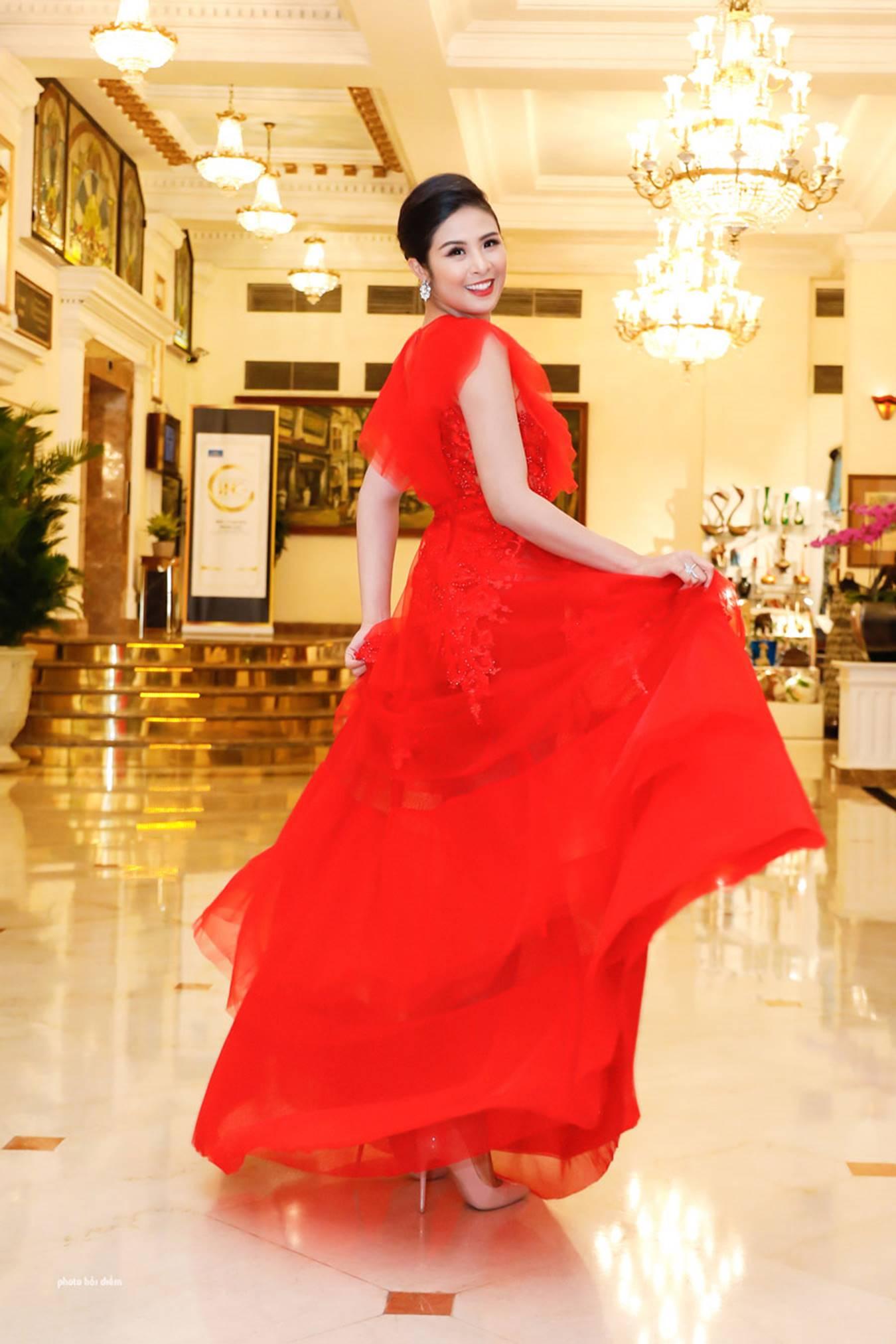 Hoa hậu Đỗ Mỹ Linh tái xuất gợi cảm sau khi trao lại vương miện-7