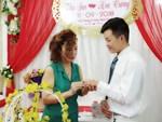 Khung cảnh đám cưới lãng mạn trong giờ phút cô dâu 61 tuổi chuẩn bị lên xe hoa về nhà chồng 26 tuổi-10