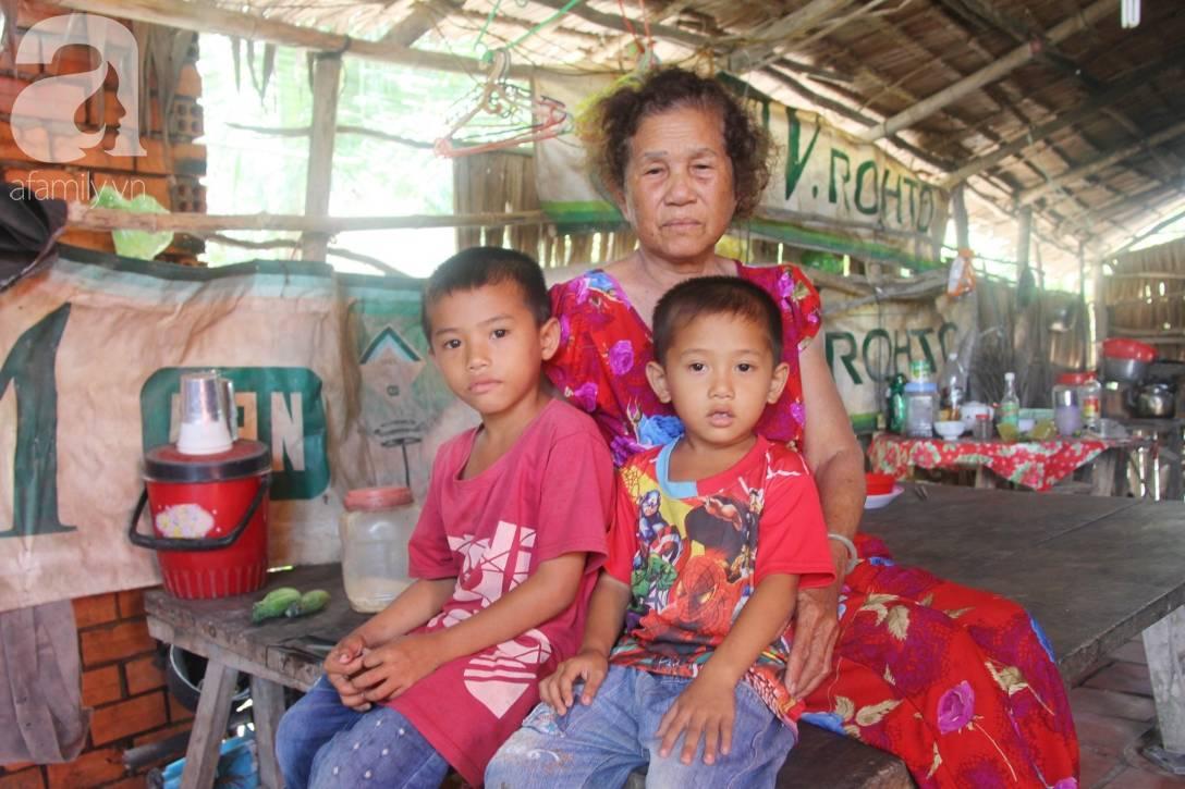 Mẹ bỏ đi lấy chồng, hai đứa trẻ 4 và 7 tuổi không được đi học, phải vào viện chăm cha bệnh tật-1