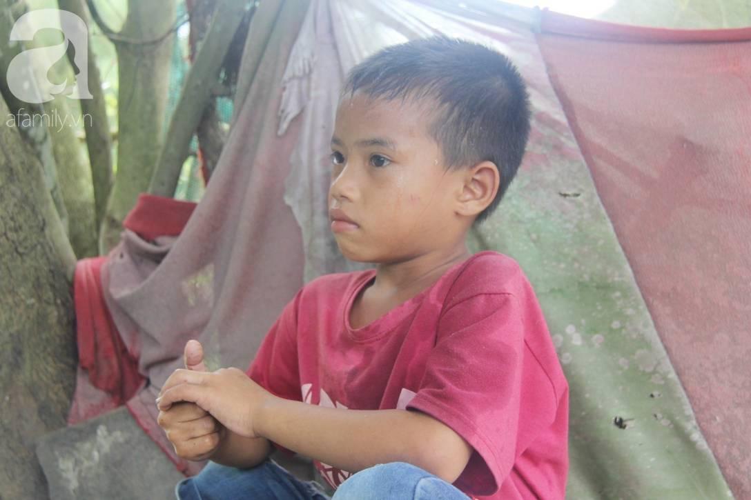 Mẹ bỏ đi lấy chồng, hai đứa trẻ 4 và 7 tuổi không được đi học, phải vào viện chăm cha bệnh tật-8