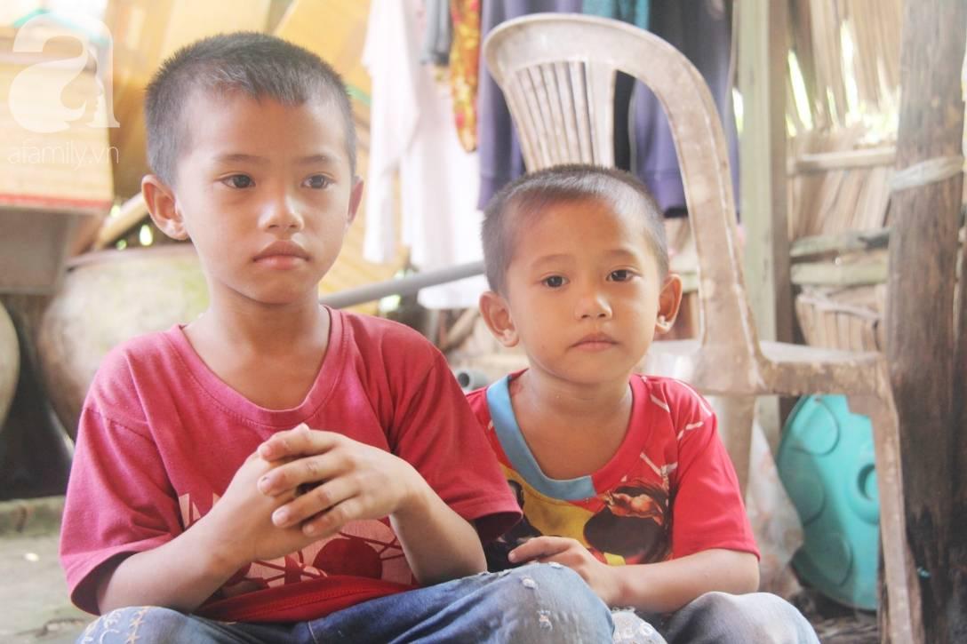 Mẹ bỏ đi lấy chồng, hai đứa trẻ 4 và 7 tuổi không được đi học, phải vào viện chăm cha bệnh tật-9