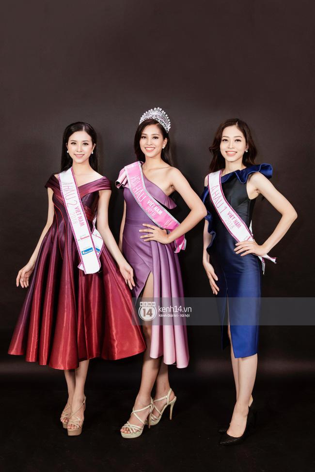 Giản dị như nàng Tân Hoa hậu, một đôi sandals cao gót mà mix được cả chục bộ đồ-4