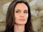 Sau 2 năm nộp đơn ly hôn, Angelina Jolie bất ngờ tìm gặp lại Brad Pitt và đây là lý do-4