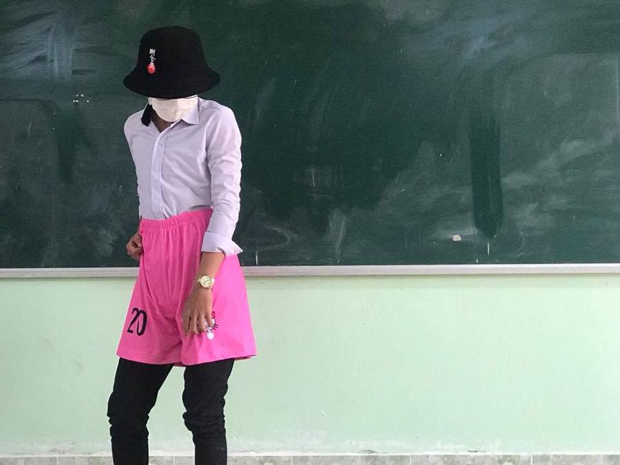 'Chơi lầy' cuối cấp, teen Vĩnh Long chọn luôn áo lớp màu hồng Hello Kitty-7