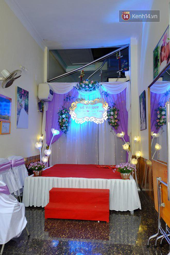 Khung cảnh đám cưới lãng mạn trong giờ phút cô dâu 61 tuổi chuẩn bị lên xe hoa về nhà chồng 26 tuổi-6
