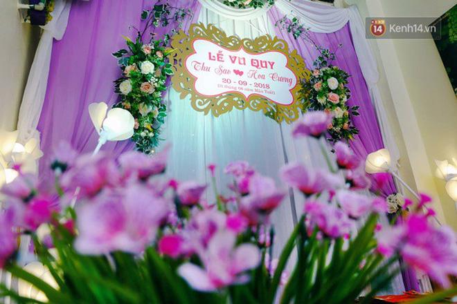 Khung cảnh đám cưới lãng mạn trong giờ phút cô dâu 61 tuổi chuẩn bị lên xe hoa về nhà chồng 26 tuổi-8