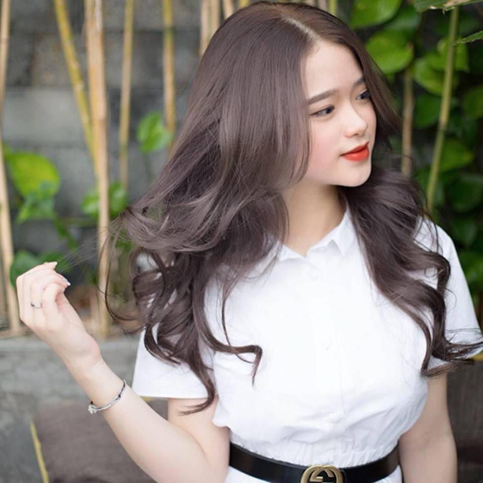 Hot girl Linh Ka phổng phao bất ngờ ở tuổi 16-12