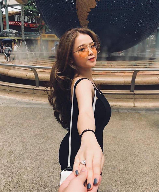 Hot girl Linh Ka phổng phao bất ngờ ở tuổi 16-13
