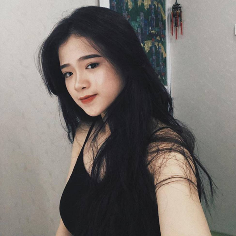 Hot girl Linh Ka phổng phao bất ngờ ở tuổi 16-15